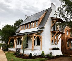 Awesome Cozy Farmhouse Exterior Design Ideas That Looks Cool. - Cozy Farmhouse Exterior Design Ideas That Looks Cool - pinupi love to share Modern Farmhouse Exterior, Farmhouse Decor, Farmhouse Ideas, Farmhouse Design, Country Farmhouse, Rustic Design, Dream House Exterior, Cottage Exterior, House Exteriors