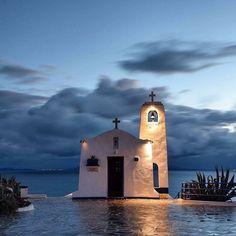 Mykonos, Santorini, Beautiful Islands, Beautiful Places, Chapelle, Kirchen, Greece Travel, Greek Islands, Belle Photo