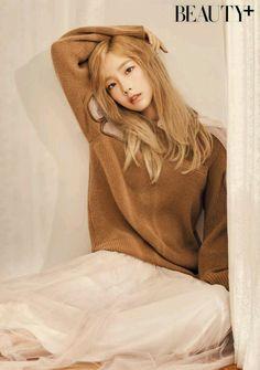 girls generation, snsd, and taeyeon image Sooyoung, Yoona, Girls Generation, Girls' Generation Taeyeon, Kpop Girl Groups, Korean Girl Groups, Kpop Girls, Yuri, Taeyeon Fashion