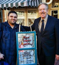 We'd like to wish #Imagineer and #DisneyLegend #TonyBaxter a very happy and magical #birthday! Here's a photo from his window dedication ceremony back in November 2013 that @heyzenc was fortunate enough to attend.  #Disneyland #Disney #DisneyLegend #Imagineer #wed #mainstreetusa #mainstreetmarvels by podketeers
