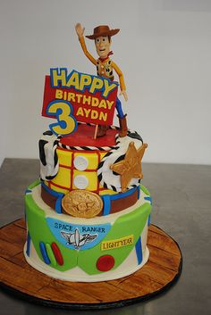 Toy Story Cake Woody and Buzz Toy Story Theme, New Toy Story, Toy Story Party, Toy Story Birthday Cake, Woody Birthday, 3rd Birthday, Birthday Ideas, Happy Birthday, Toy Story Cake Toppers