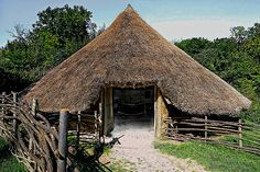 Iron-age round house based on excavation at Puddlehill, Dunstable - Chiltern Open Air Museum
