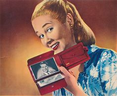 A fun mid-40s advertisement for women's wallets. Is it just me or does this woman vaguely resemble Alex Borstein? #vintage #1940s #forties #ads #women