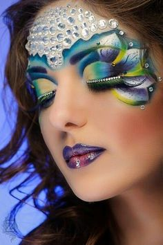 Fantasy makeup---this would be an awesome mermaid look.