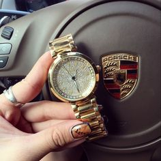 Hot Sale! Top Quality Women Watches Luxury Steel Full Rhinestone Wristwatch Lady Crystal Dress Watches Gold Female Quartz Watch Do you want it Get it here