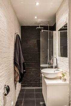 pour une petite salle de bain tout en longueur