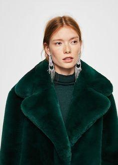 Lapels faux fur coat - Women in 2020 Fur Coat Outfit, Fox Fur Coat, Shearling Coat, Fur Coats, Fashion Week, Winter Fashion, Long Faux Fur Coat, Fabulous Furs, Inspiration Mode