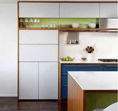 Jugando con los colores y las texturas, que os parece la madera con colores? te puedes imaginar tu cocina con tus colores favoritos?  #diseñodecocinas #cocinasmadrid #prespuestodecocinas
