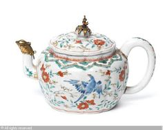 KAKIEMON Porcelain (Japan),Small teapot,Bonhams,London