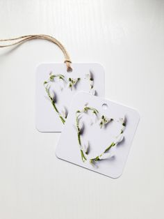 #gifttags #botanicaltags Flower Artwork, Pressed Flower Art, Art Pictures, Find Art, Gift Tags, Etsy Seller, Unique Jewelry, Handmade Gifts, Floral