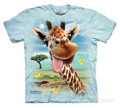 Youth: Howard Robinson- Giraffe Selfie T-Shirt at AllPosters.com
