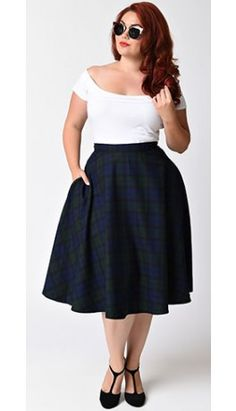 Pretty in plaid darling! A plus size vintage inspired swing skirt from Hell Bunny the Doralee skirt is a magnificent navy blue and emerald green plaid wardrobe staple! Crafted in a retro inspired silhouette and featuring a flattering high waist design a Rockabilly Outfits, Rockabilly Fashion, 1950s Fashion, Vintage Fashion, Blue Skirt Outfits, Pin Up Outfits, Fashion Outfits, Pin Up Kleidung, Plus Size Kleidung
