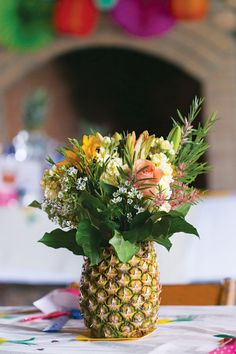 Flower arrangement in a pineapple - perfect for a tropical celebration! - Flower arrangement in a pineapple – perfect for a tropical celebration! Fruit Centerpieces, Wedding Centerpieces, Wedding Decorations, Table Decorations, Wedding Tables, Centerpiece Ideas, Wedding Ideas, Birthday Decorations, Trendy Wedding