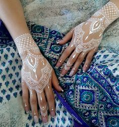 White Henna For The Unconventional Bride Using A Mehendi Design | Marriager
