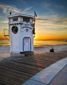 The iconic lifeguard tower at Laguna beach in OC California via flickr