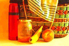 Cuentacuentos Yo no soy Caperu (Basado en cuentos tradicionales)  Vabrujinesa tiene que llevarle una cesta a su abuela porque su mamá tiene que atender al deshollinador. De camino se encuentra con un espejo que la traga apareciendo en el mismo bosque. Siguiendo el camino de baldosas amarillas se irá encontrando con distintos personajes de los cuentos y todos la confunden con Caperucita a pesar de que ella les dice una y otra vez que no es Caperu. ¿Se librará Vabrujinesa de las garras del…