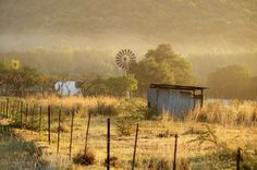 South African farm near Skilpadvrekvandorsfontein. Scenery Photography, Landscape Photography, South Afrika, Smell Of Rain, African Love, Africa Destinations, South African Artists, Country Landscaping, Old Farm Houses