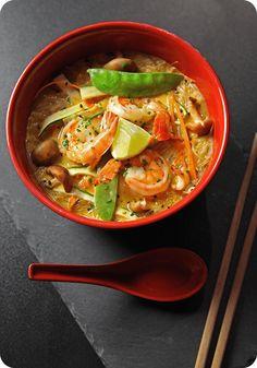 Niečo na vás lezie? Ochutnajte naše polievky, ktoré vás rýchlo vrátia do formy. #edokin #edokinsushi #sushi #sushilovers #tomyum #soup #japanese #slovakia #food #japanesefood