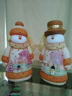 Hand Painted Ceramics, Christmas Projects, Biscuit, Snowman, Merry Christmas, Christmas Decorations, Clay, Country, Painting