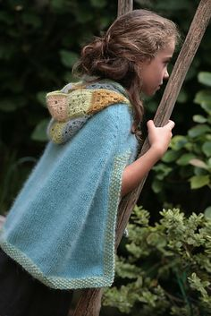 Another beautiful idea! Knit cape with a granny square hood. How soft and beautiful this looks!