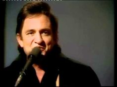 Johnny Cash - A Boy Named Sue This is for Kurt Country Western Songs, Country Musicians, Country Music Artists, Country Songs, Tune Music, Old Music, Country Music Videos, Country Music Stars, Kinds Of Music