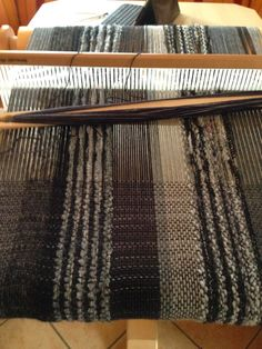 Textiles, Weaving Projects, Loom, Diy And Crafts, Inspiration, Thesis, Weaving, Tricot, Textile Texture