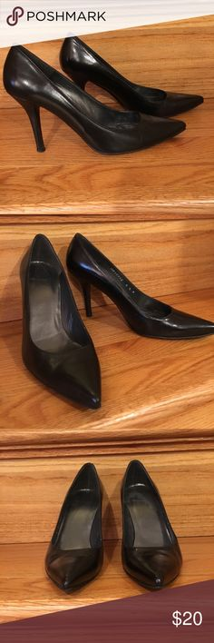 """Stuart Weitzman Black Leather Pump - Size 6.5 Stuart Weitzman Black Leather Pump - Size 6.5 M Iconic Black Leather Pump. Sleek pointed toe for a polished look. A staple for any wardrobe. These shoes have normal pre-owned wear; Heels are slightly worn. Heel Height- Approximately 3.5"""" Stuart Weitzman Shoes Heels"""
