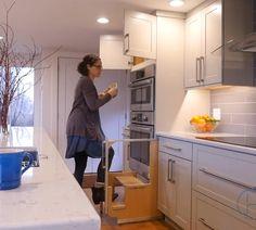 Kitchen Cupboard Designs, Kitchen Room Design, Diy Kitchen Storage, Modern Kitchen Cabinets, Modern Kitchen Design, Kitchen Layout, Interior Design Kitchen, Small Modern Kitchens, Latest Kitchen Designs