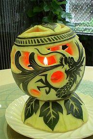 倫☜♥☞倫 Food Sculpture - Watermelon Lantern **. Watermelon Art, Watermelon Carving, Carved Watermelon, Watermelon Basket, Fruit Sculptures, Food Sculpture, Veggie Art, Fruit And Vegetable Carving, Edible Food