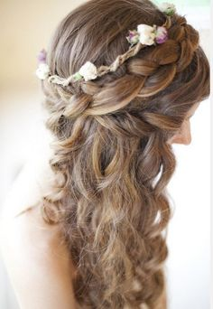 Love the combination of braids, curls and flowers, perfect!