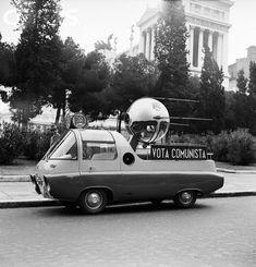 Classy communist propagandamobile - Rome 1958.