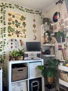 Indie Room Decor, Cute Room Decor, Aesthetic Room Decor, Room Design Bedroom, Room Ideas Bedroom, Bedroom Inspo, Cute Room Ideas, Pretty Room, Cozy Room