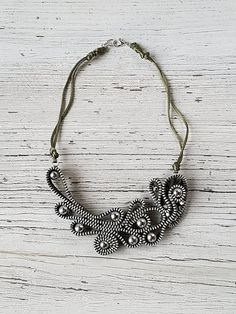 Collana MILITARY zip, by officine creative - lab, 33,50 € su misshobby.com