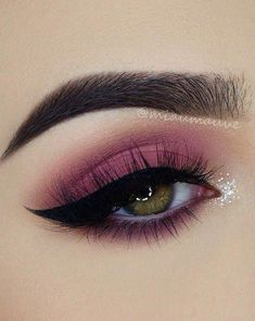 Make-up; Augen Make-up; Make-up Tutorial; Make-up Aussehen; Augen Make-up Tuto Body Makeup, Eye Makeup Tips, Smokey Eye Makeup, Eyeshadow Makeup, Makeup Inspo, Makeup Ideas, Makeup Tutorials, Makeup Guide, Eyeshadow Palette