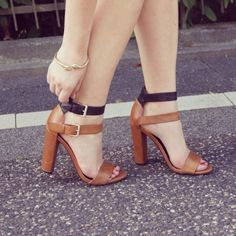 Viva Suni Deri Topuklu Ayakkabı