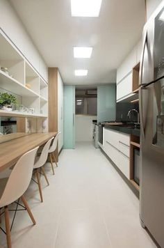 (2015) Apartamento Santa Rosa: Cozinhas modernas por Escritório Ana Meirelles