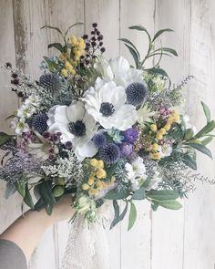 brambly yukoさんはInstagramを利用しています:「` ` order bouquet💐 ` アネモネとミモザをポイントに。 素敵な weddingになりますように✨ お作りさせていただきありがとうございました。 ` ` ` #wedding#weddingflowers#bramblyflower」