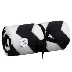 Black and white oversized chevron fleece £7.99