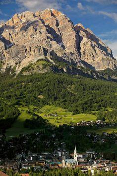 Cortina d'Ampezzo and Mount Cristallo, Dolomites, province of Belluno, Veneto…