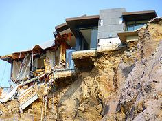 Clifftop house, Redcliffs New Zealand Earthquake, Broken City, Christchurch New Zealand, City Office, Wild Weather, 2nd City, Close To Home, Wild Nature, South Island