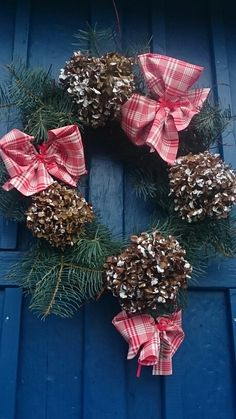 Christmas wreath simple
