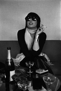Liza Minnelli wearing Halston  Peretti