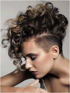 Undercut Curly Hair, Curly Pixie Hairstyles, Undercut Hairstyles Women, Curly Hair Styles, Undercut Women, Pixie Cut With Long Bangs, Curly Pixie Cuts, Short Curly Hairstyles For Women, Pixies