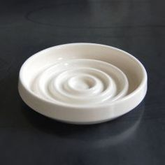 concentric soap dish, pigeon toe