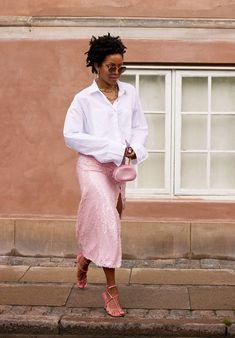 Copenhagen Street Style, Copenhagen Fashion Week, Pastel Skirt, Top Street Style, Preppy Look, Trends, Fashion Books, Fashion Pants, Spring