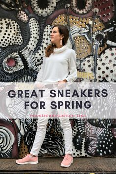 Casual Spring outfit inspiration for women. How to wear sneakers this Spring.