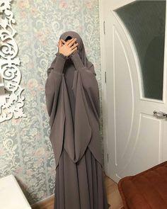 Niqab Fashion, Girl Fashion, Fashion Outfits, Muslim Women Fashion, Islamic Fashion, Swag Girl Style, How To Wear Hijab, Mode Abaya, Muslim Beauty