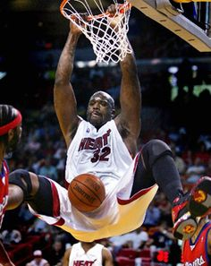 Center, Shaquille O'Neal scores against L.A. Clippers