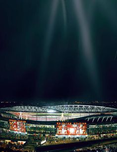 The Emirates Stadium looks incredible in Champions League night.