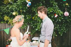 The Laid-Back, Back-Yard Wedding from the etsy wedding blog!    Lindsay. Pizza, salad and beer. I just catered your reception.